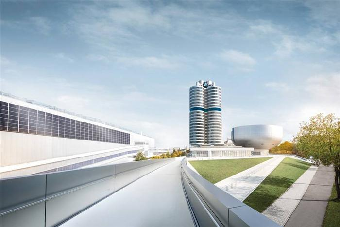 盖世汽车讯 据宝马集团官网发布的数据显示,宝马集团因第三季度加大了对新技术及新车型的投资,第三季度的税前利润下滑5.9%至24.22亿欧元(28.1亿美元)。