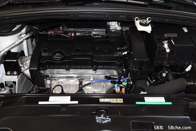 在动力方面,这款车有两款动力供选,其中1.6L自然吸气发动机最大输出功率为117马力,峰值扭矩为150牛·米;1.2T涡轮增压发动机最大输出功率为136马力,峰值扭矩为230牛·米。传动部分,新车将继续采用5速手动或6速手自一体变速箱。