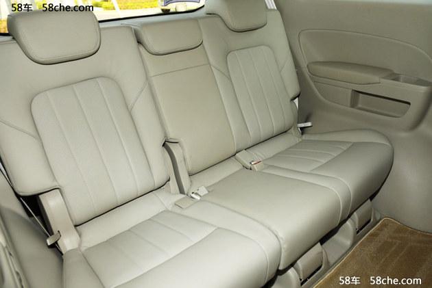 内饰方面,新车采用了与传祺GS8相近的造型设计,中控台为T字型布局。座椅为2+2+3式7座布局,配备电动侧滑门。顶配车型提供后排娱乐系统,ACC自适应巡航、自动泊车等功能。