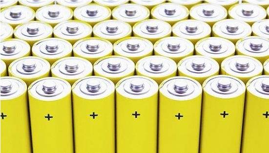 补贴提前退坡或5月实施 2018动力电池行业压力骤增