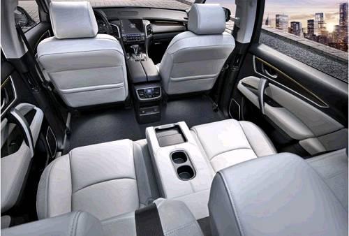 """生而""""奢享大五座""""的冠道(AVANCIER),有品牌骄傲的个性,区别于不少同级车型为迎合乘坐需求而在五座车型上强加的七座,绝不将就的冠道(AVANCIER)将强大与优雅做到极致,完美契合了新生代消费者对实用性及生活场景适用性的需求升级。"""