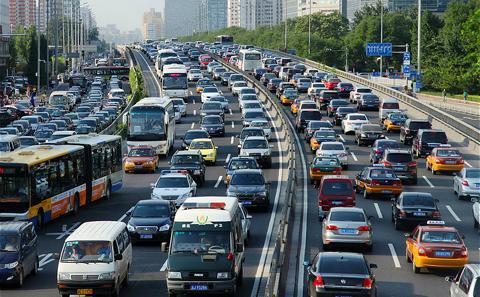2月车市微降0.5% 政策推动新能源高速发展