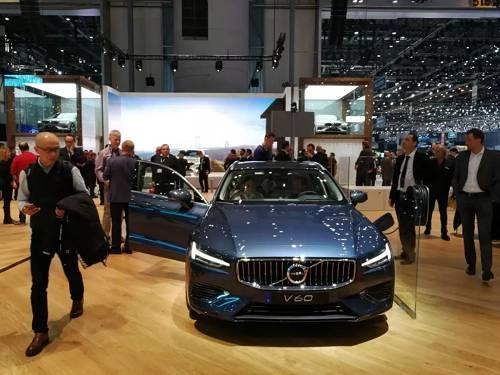 """""""我们对在中国新能源汽车市场的发展充满信心。2018年,沃尔沃汽车T8车型的销售占比将提高,同时我们推出了全新T6双引擎车型,其价格将更具竞争力。到2019年,我们全新的纯电动汽车也将在路桥工厂投产。""""这是未来的落地计划。"""