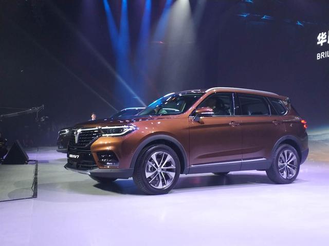 家族旗舰定位中型SUV 全新中华V7首发亮相
