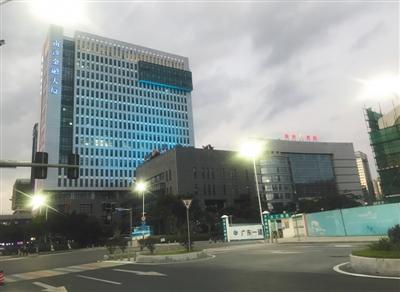 南沙金融大厦,睿驰汽车的临时办公地址就在大厦的9层。
