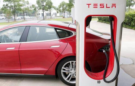 特斯拉车主抱怨售后瘫痪:充电桩1年坏2次 修1次花4月